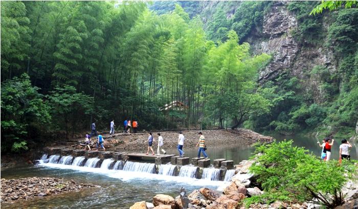 """汀溪是久负盛名的""""汀溪兰香""""产地,""""水墨汀溪""""风景区位于汀溪乡东南部"""
